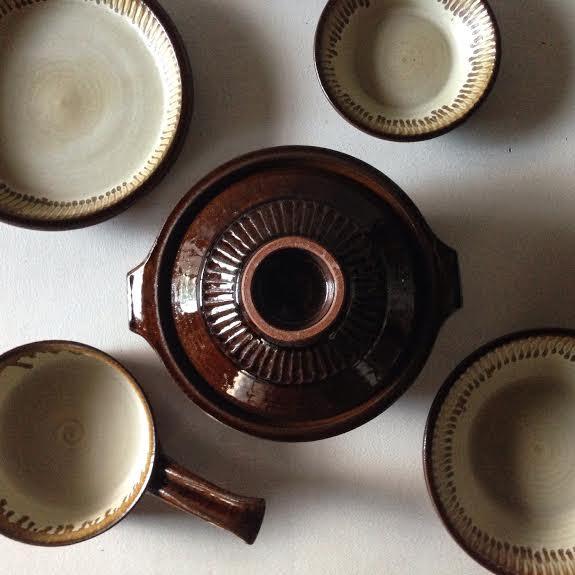 リズムで作る器 廣川温 「そだてるうつわ-耐熱と粉引の器-」【今週のおすすめアート】