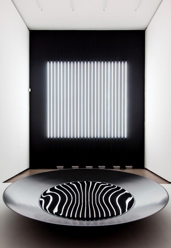 カールステン・ニコライ氏が表現する「黒の世界」展【今週のおすすめアート】