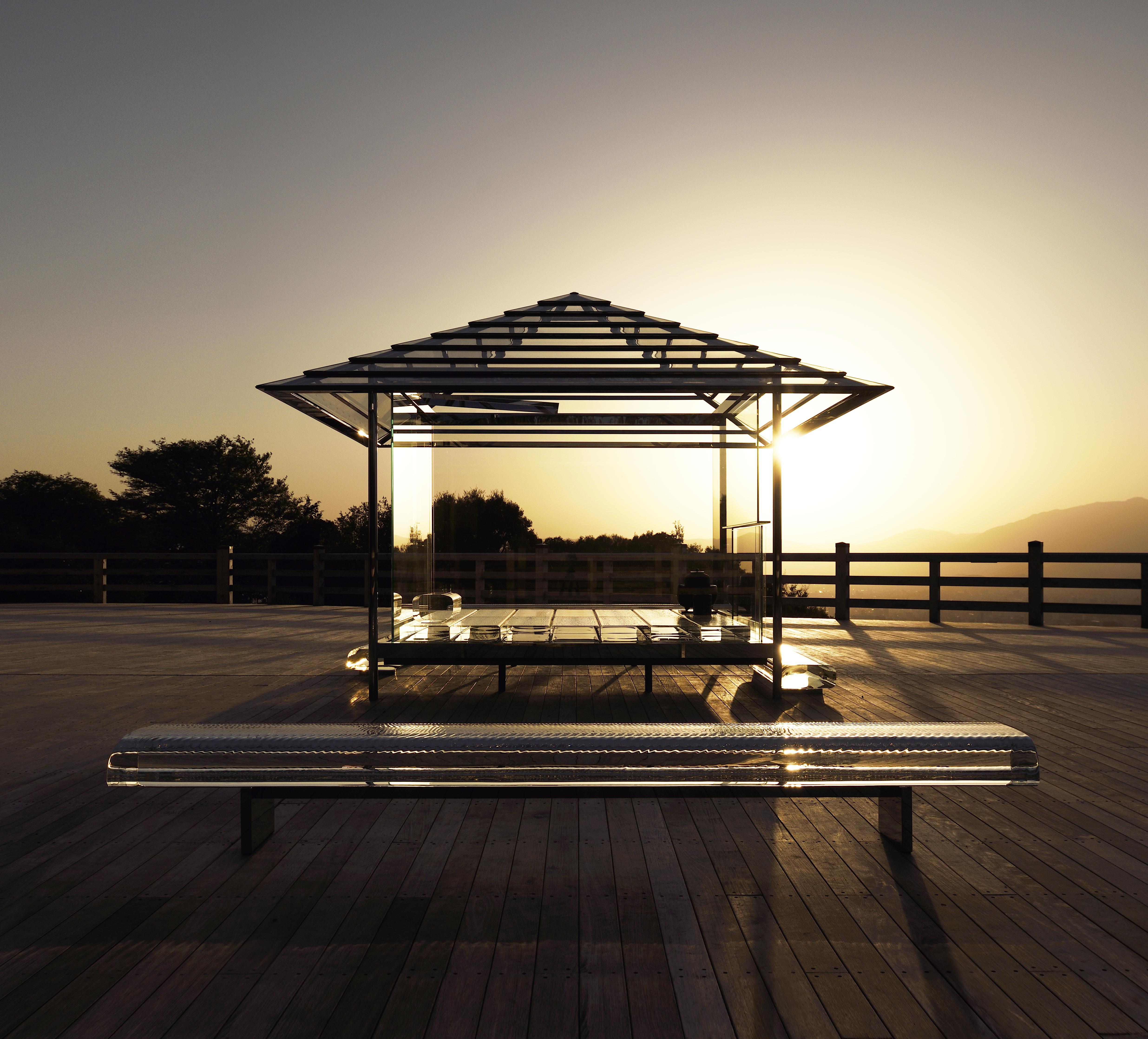 残り3カ月!幻想的な「吉岡徳仁 ガラスの茶室 – 光庵」 展覧会【今週のおすすめアート】
