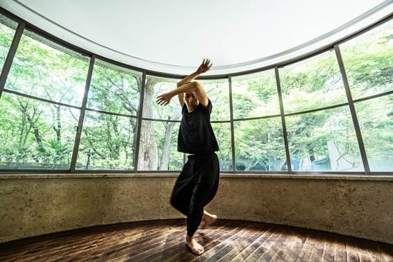 小㞍健太ダンスパフォーマンス 「Study for Self/portrait」【今週のおすすめアー