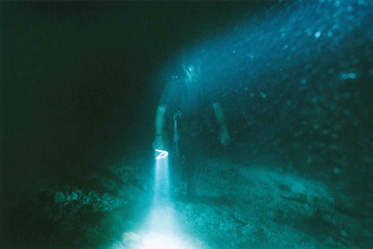 レンズを通してこそ視えるモノ・野口里佳 「海底」【今週のおすすめアート】