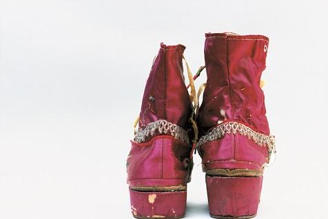 メキシコを代表する画家・フリーダ・カーロの遺品 石内都展 Frida is 【今週のおすすめアート】