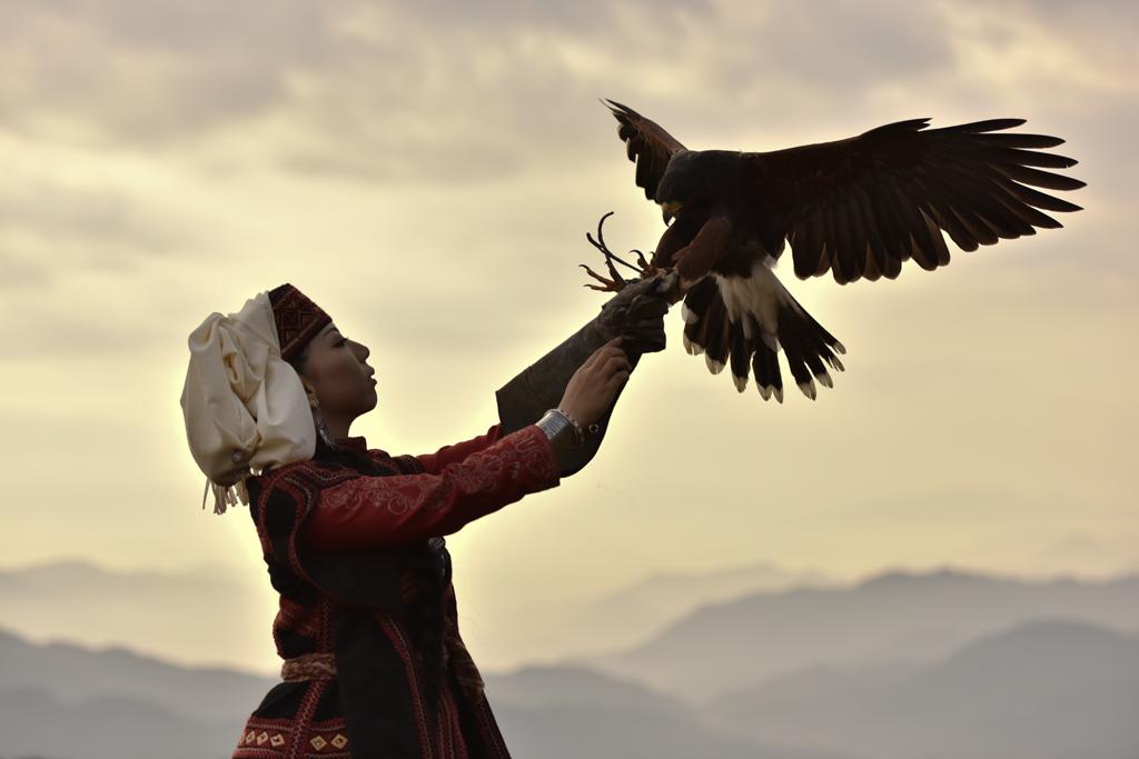 中央アジア最後の秘境、10年ぶりの「トルクメンの装身具」展示記念スペシャルトークイベント&民族コンサ