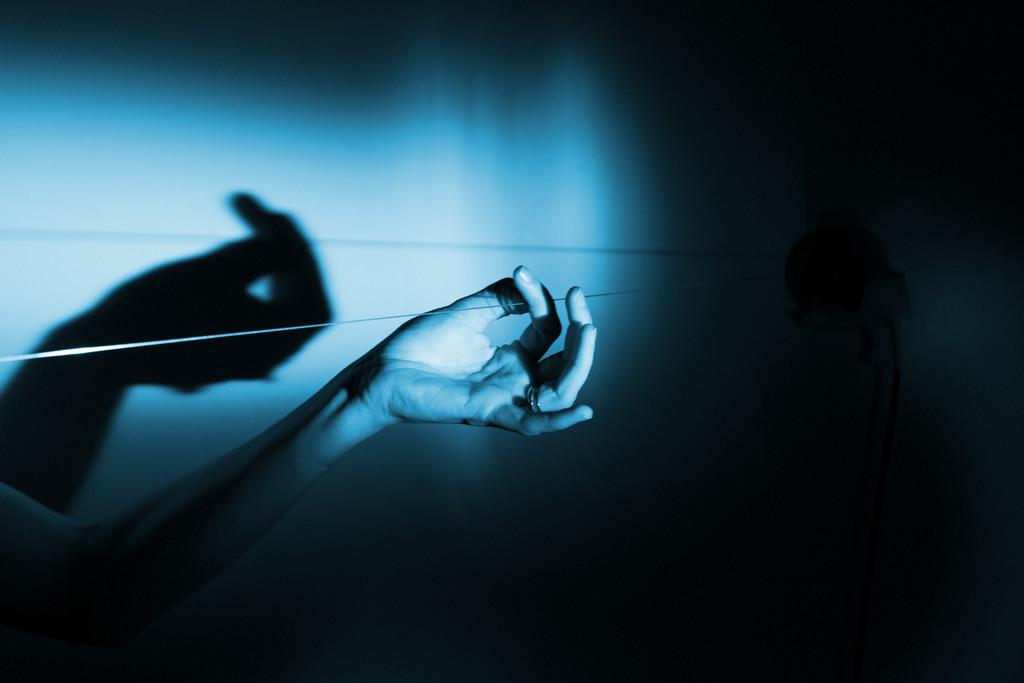 職人技と現代美術の遭遇『眠らない手:エルメスのアーティスト・レジデンシー展』