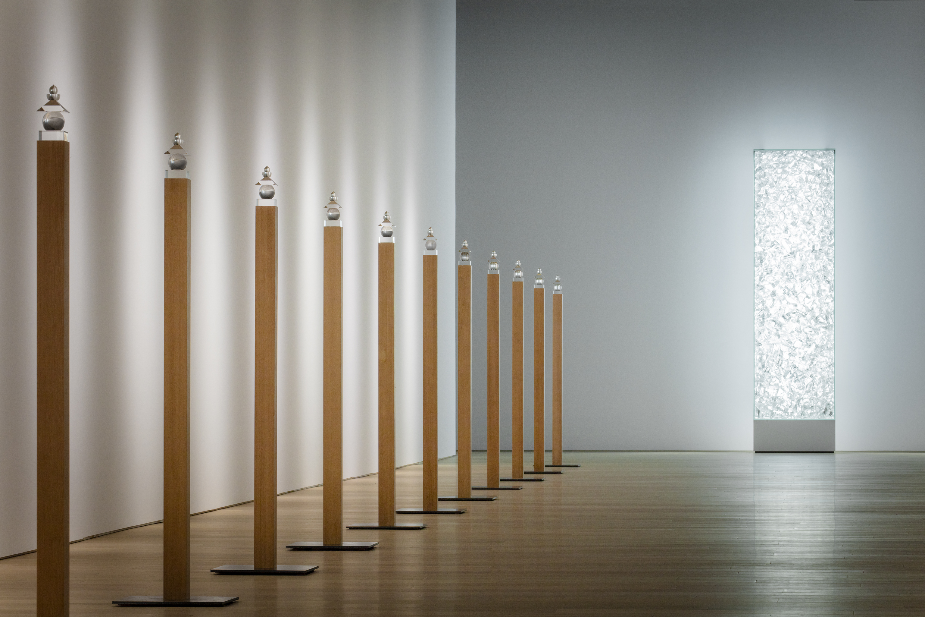 現代の空間で構築する、浄土への希求 『杉本博司 瑠璃の浄土』